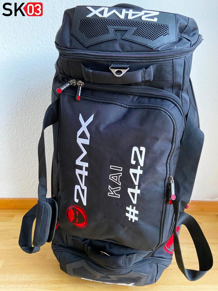 Eine Reisetasche für Motorradbekleidung